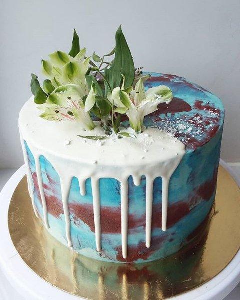 """Торт """"С цветами"""""""