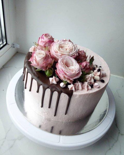 """Торт """"С розами"""""""